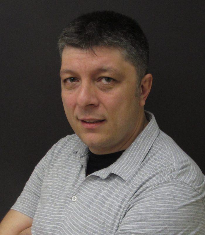 Мариан Маринов